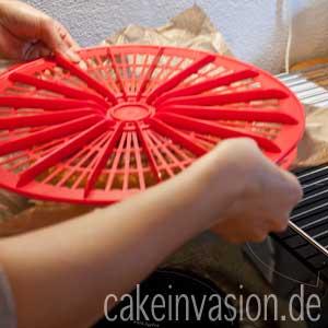Kuchen vorsichtig stürzen