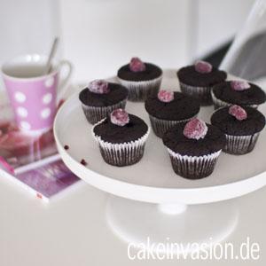 Schokoladencupcakes mit Himbeeren (vegan)