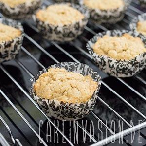 Kaffee-Walnuss-Cupcakes auskühlen lassen