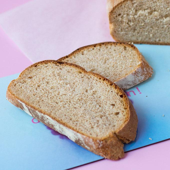 Brot mit Sojajoghurt vegan