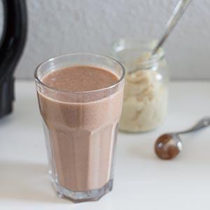 Bananen-Schoko-Milkshake aus dem Vegan Star Vital Sojamilchmacher von Keimling