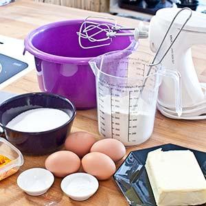 Man muss immer schon Stunden vorher dran denken, Butter und Eier aus dem Kühlschrank zu räumen